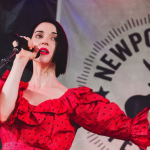 "St. Vincent covers Lou Reed's ""Perfect Day"" in Brooklyn, photo by Ben Kaye"