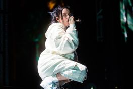 Billie Eilish at Coachella 2019, photo by Debi Del Grande