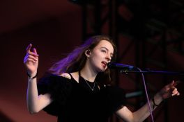 Let's Eat Grandma at Coachella 2019, photo by Debi Del Grande