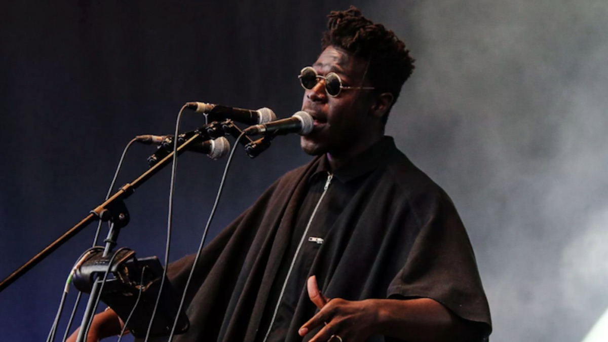 Moses Sumney cut me new song tour græ Moses Sumney, photo by Nina Corcoran