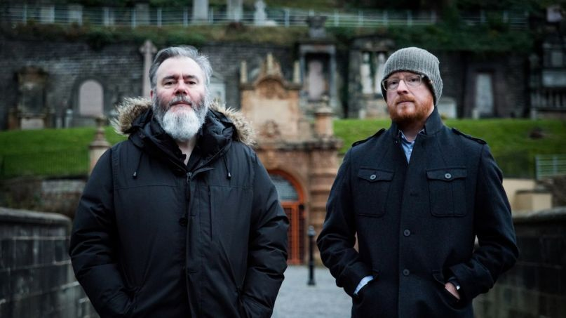 Arab Strap As Days Get Dark new album Compersion Pt. 1 new song reunite reunion comeback music, photo by Kat Gallack